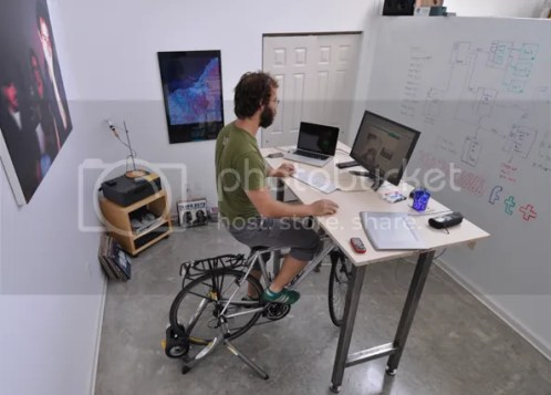 Kickstand desk designed for cyclists