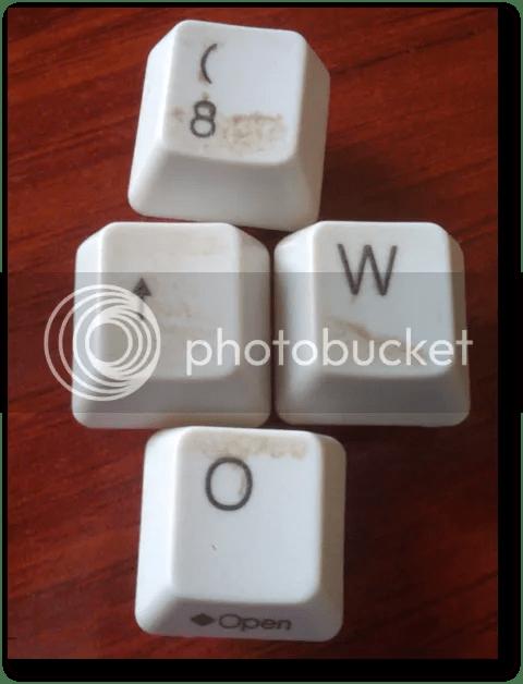 cómo desmontar el teclado de un ordenador portátil