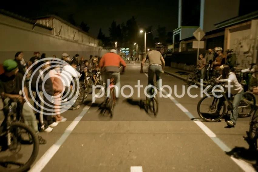 piques ecuador, andando en bici carajo