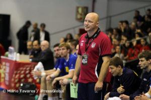 Treinador da seleção Ucraniana, Andronov, resignado com o resultado do jogo