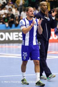 Areia transformou-se no herói da partida, ao apontar o golo da vitória a 20 segundos do fim
