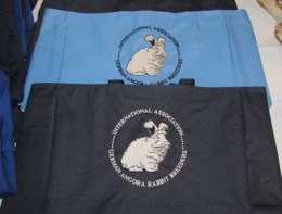 New IAGARB tote bags