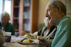 dinner-time-at-nursing-home