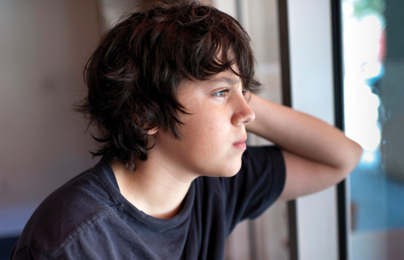 Boy-Looking-Out-Window-448x288_article_detail