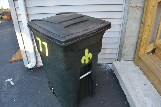 How To Labeling Your Garbage Cans I Am A Honey Bee