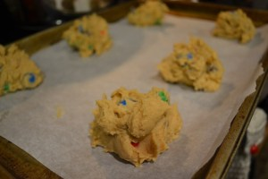 Giant Peanut Butter Pretzel M&M cookies_04
