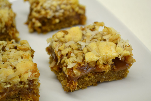 Caramel Apple Crumble Bars_01