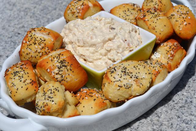 everything bagel pretzel bites_02