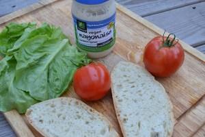 open faced tomato sandwich_01