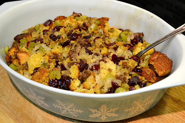 Cornbread and Sausage Stuffing_00