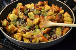 Cornbread and Sausage Stuffing_09