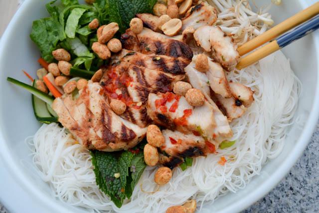 Grilled Chicken Vermicelli Bowl-1