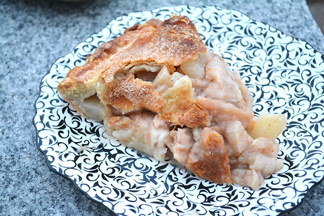 Pear and Apple Pie_03
