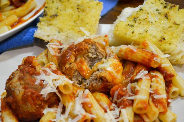 Slow Cooker Marinara w Mozzarella Meatballs-4