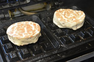 Cinnamon Roll Waffles_05
