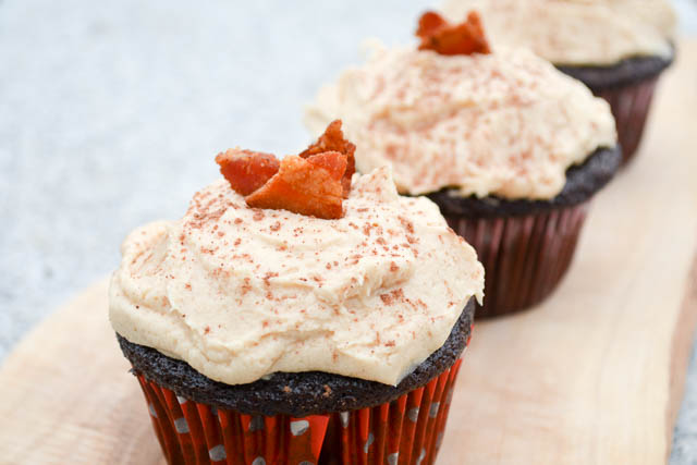 Dark Chocolate Bacon Cupcakes with Peanut Butter Buttercream-04
