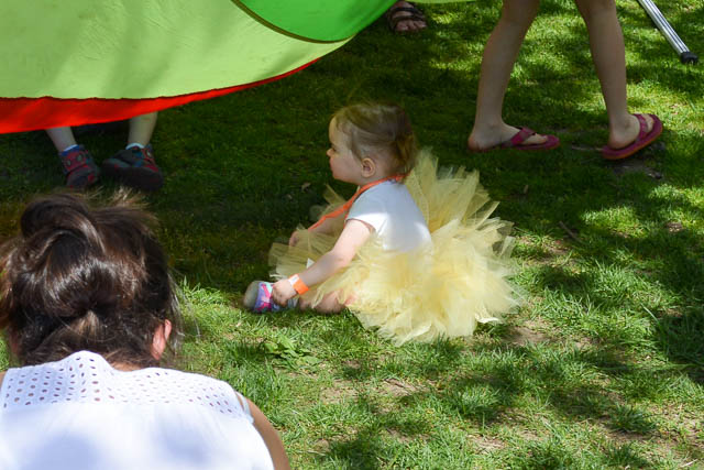 Make Way for Ducklings Parade 2015-10