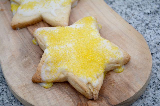 crisp-lemony-star-cookies-krusteaz-2