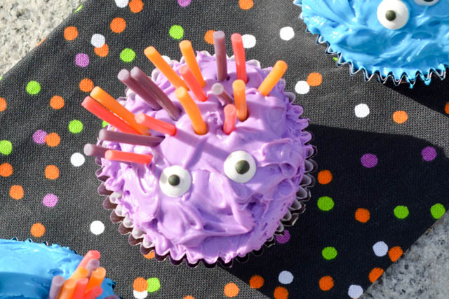 Halloween Monster Cupcakes-4