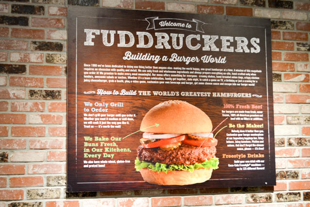 Fuddruckers Burger Review-04