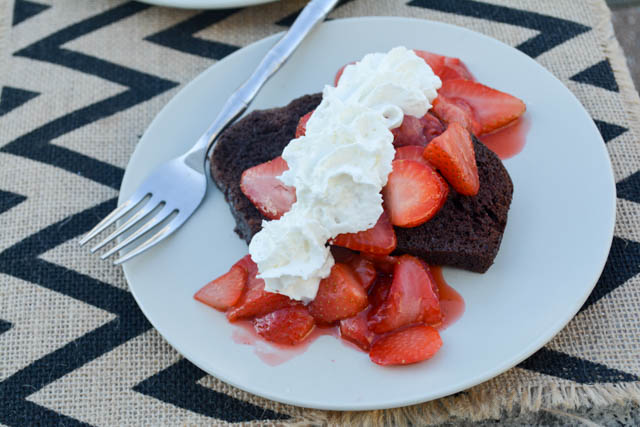 5 Minute Chocolate and Strawberry Shortcake-01