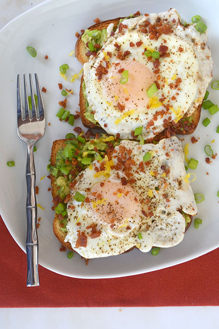 bacon-dusted-egg-topped-avocado-toast_03