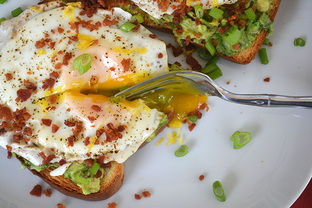 bacon-dusted-egg-topped-avocado-toast_04