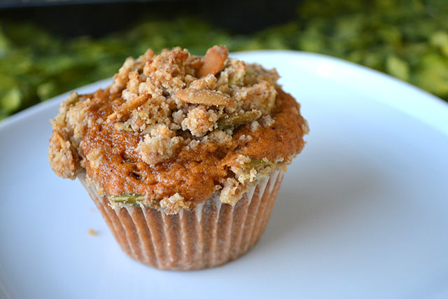 pumpkin-muffins-with-crumble-topping_01