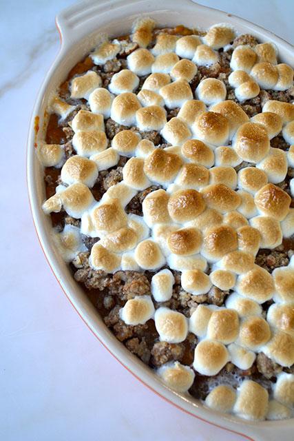sweet-potato-casserole-marshmallow-pecan-crunch-topping_02