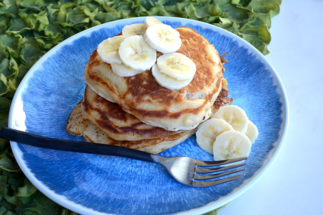 browned-butter-buttermilk-banana-pancakes_02