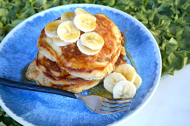 browned-butter-buttermilk-banana-pancakes_04