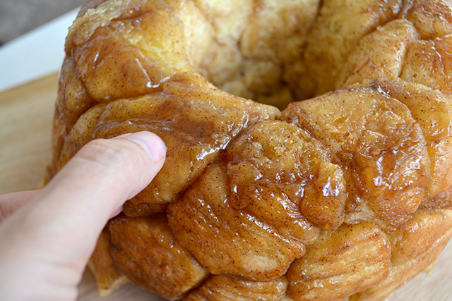 homemade-monkey-bread_01