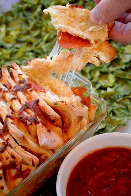 pull-apart-pepperoni-pizza-bread_03