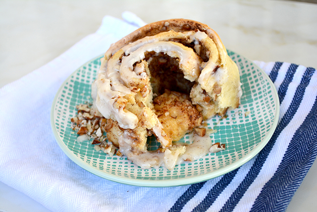 nutty-cinnamon-rolls_01