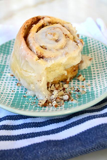 nutty-cinnamon-rolls_02