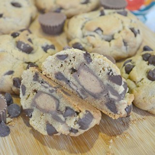 Stuffed Peanut Butter Chocolate Chip Pudding Cookies