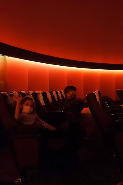 kids inside planetarium to watch show at Jacksonville MOSH