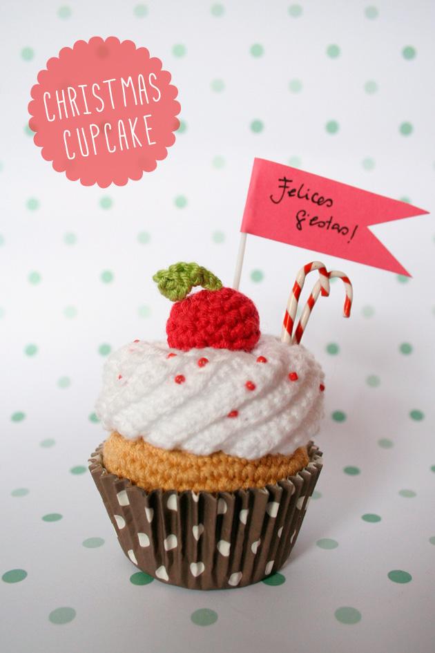 "Christmas crochet cupcake, visto en ""I am a Mess Blog"""