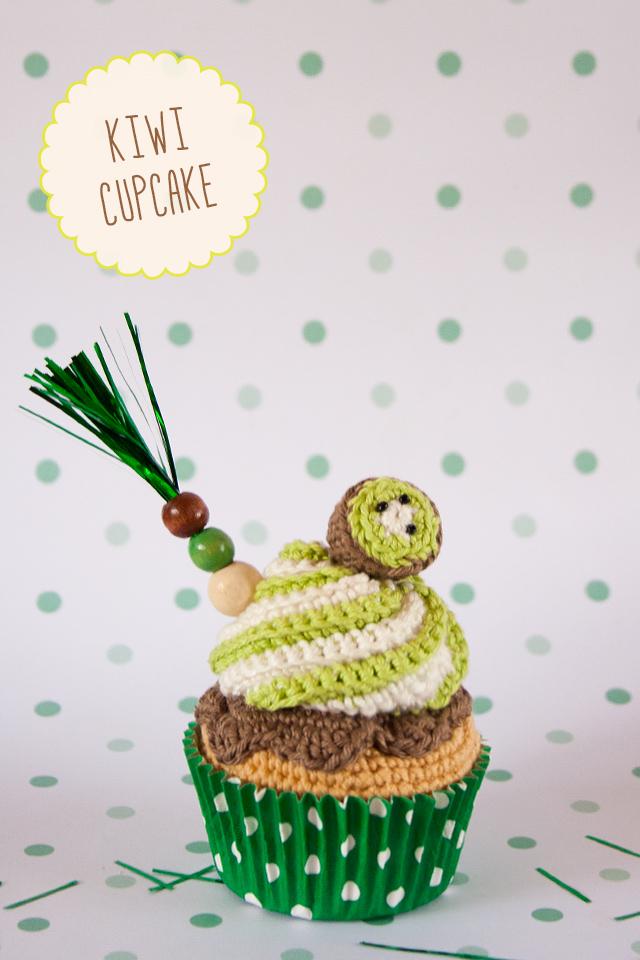 "Kiwi Corchet Cupcake visto en ""I am a Mess Blog"""
