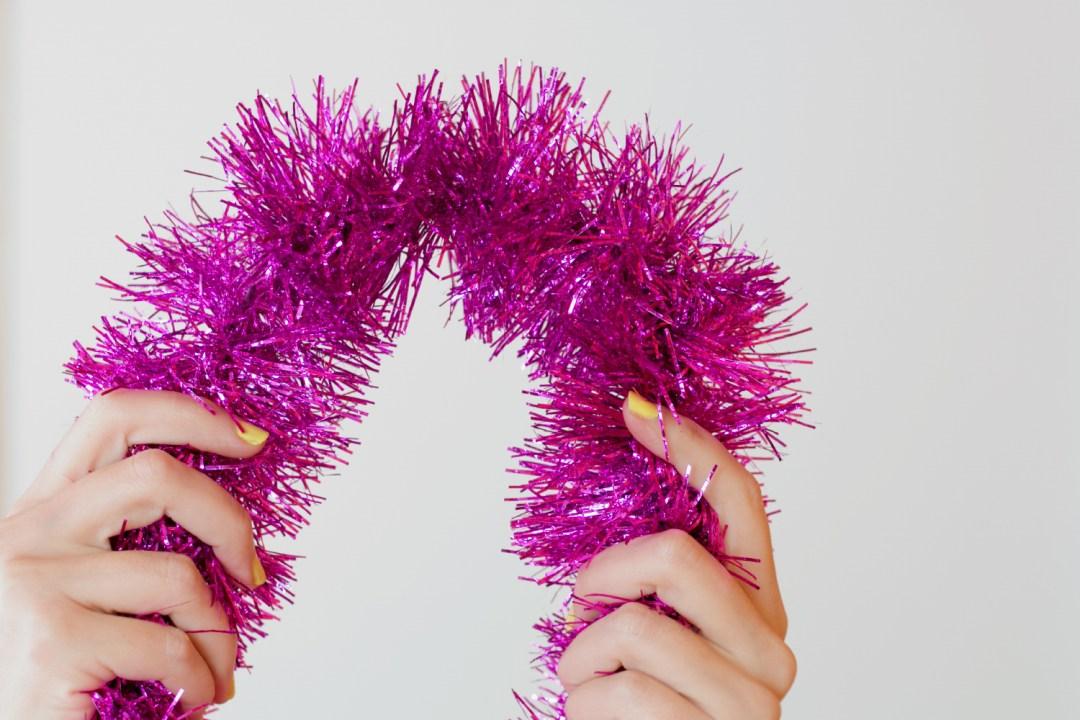 """HoHoHo, DIY letras con espumillon, visto en """"I am a Mess Blog"""""""