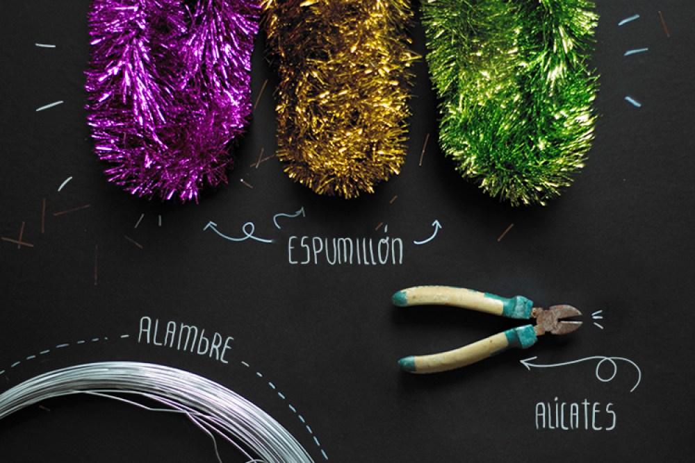 """HoHoHo, DIY letras de espumillón, visto en """"I am a Mess Blog"""""""