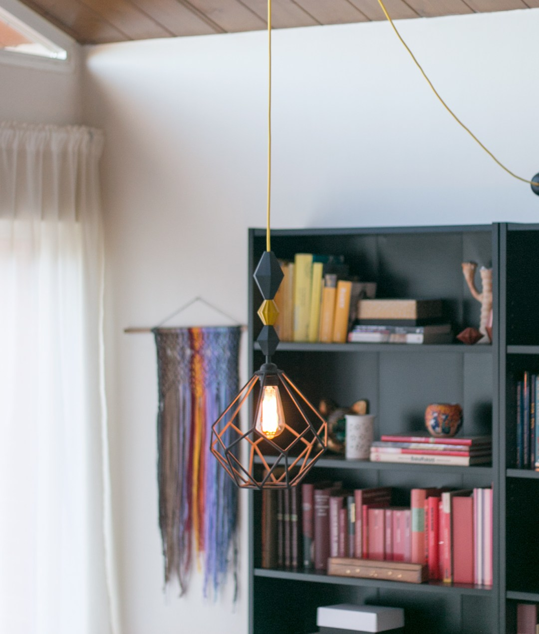 "Lámpara geométrica DIY, visto en ""I am a Mess Blog"""