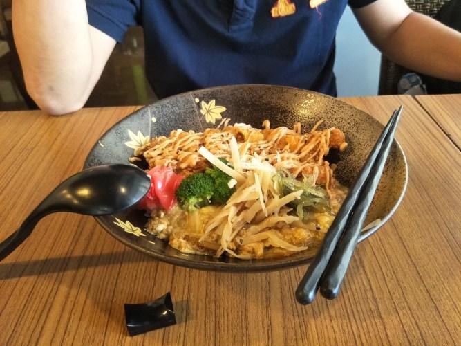 高雄食記風塵揚~~高雄鳳山區美食,人們丼飯的好選擇~~四筒食藝日式料理