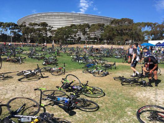 Park Fermé auf dem Festgelände in Green Pont vor dem Fußballstadion in Kapstadt