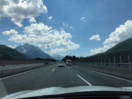 Im Auto auf dem Weg nach Brixen