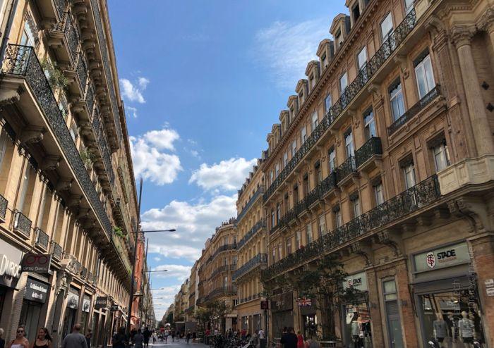 """Rennradreise """"Pyrenäen-Klassiker"""" - Einkaufsstraße Rue d'Alsace-Lorraine in Toulouse"""