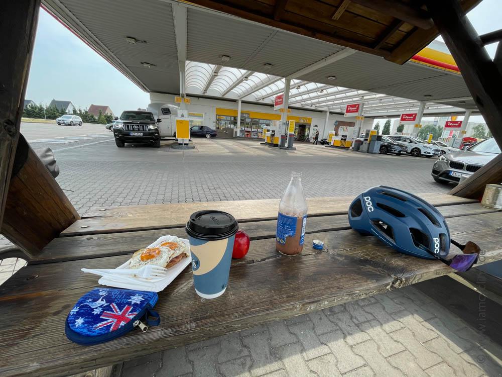 Tankstelle in Pasewalk - Ostsee-Tour - iamcycling.de