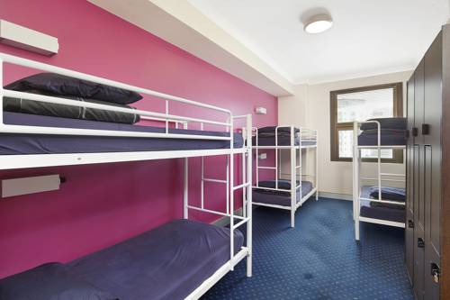 wake-up-hostel-sydney-dorm-room