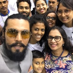 Bollywood-star-Randeep-Hood-among-those-who-joined-the-celebrations-at-Vigyan-Bhawan