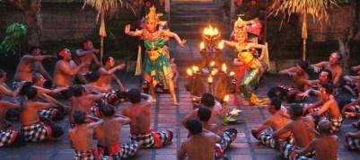 kecak-dance-Uluwatu-Temple-Bali